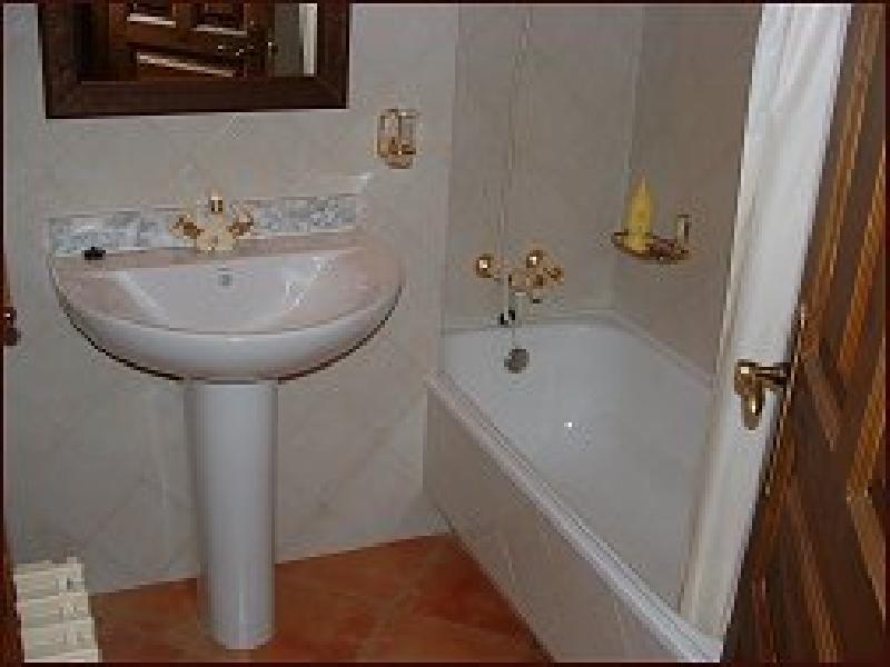 Baño de una de las habitaciones de la Casa Meu Reposo